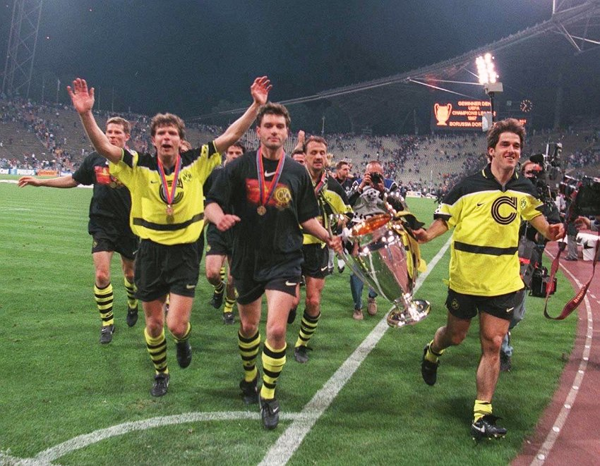 GERMANY - MAY 29: Fussball: Champions League Dortmund - Turin 29.5.97, Andreas MOELLER, Michael ZORC, Juergen KOHLER, Karl-Heinz RIEDLE (Photo by Bongarts/Getty Images)