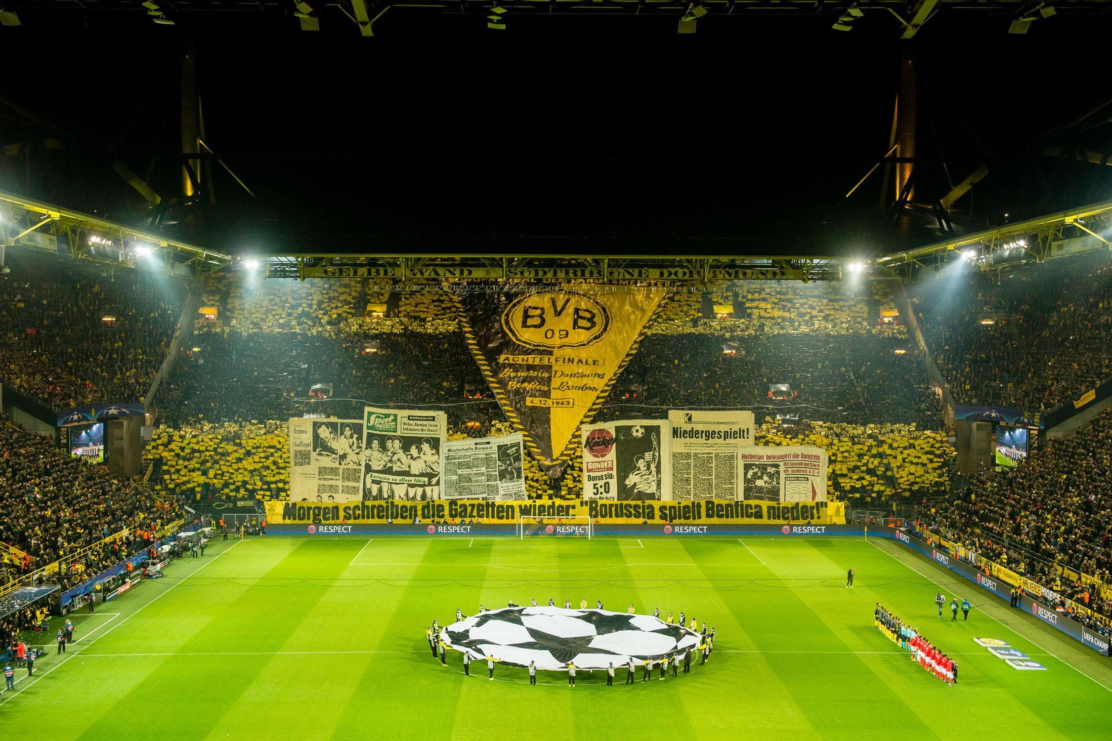 Dortmund-Tifo-Benfica